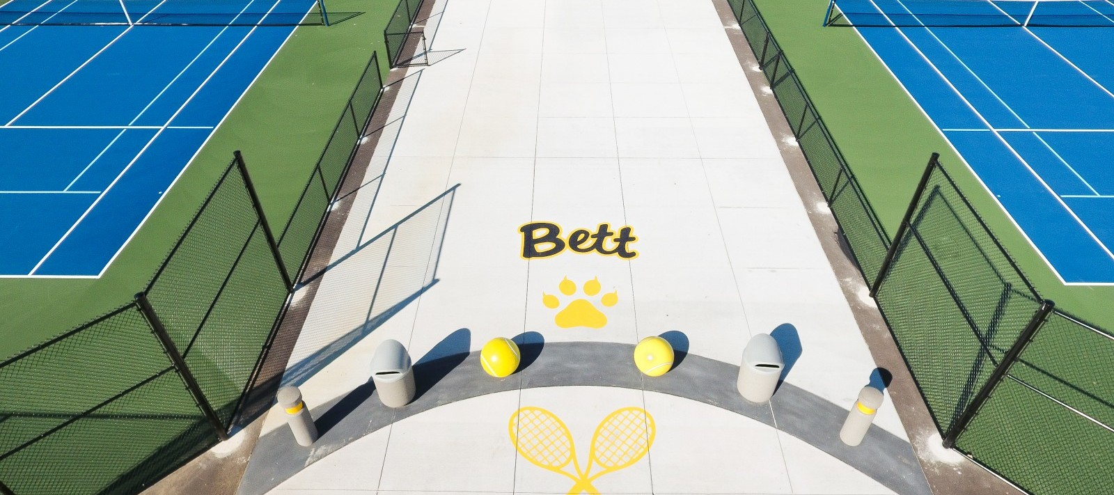 Bettendorf tennis courts entrance