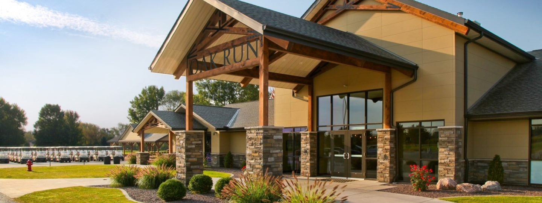 Oak Run Golf Course clubhouse entrance three-quarter view