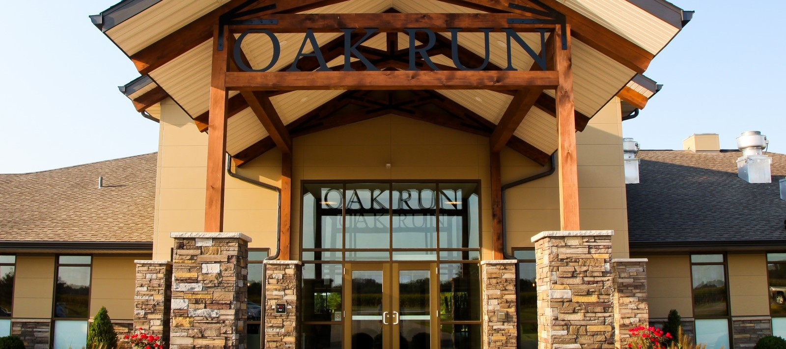Oak Run Golf Course clubhouse entrance