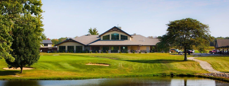 Oak Run Golf Course clubhouse exterior