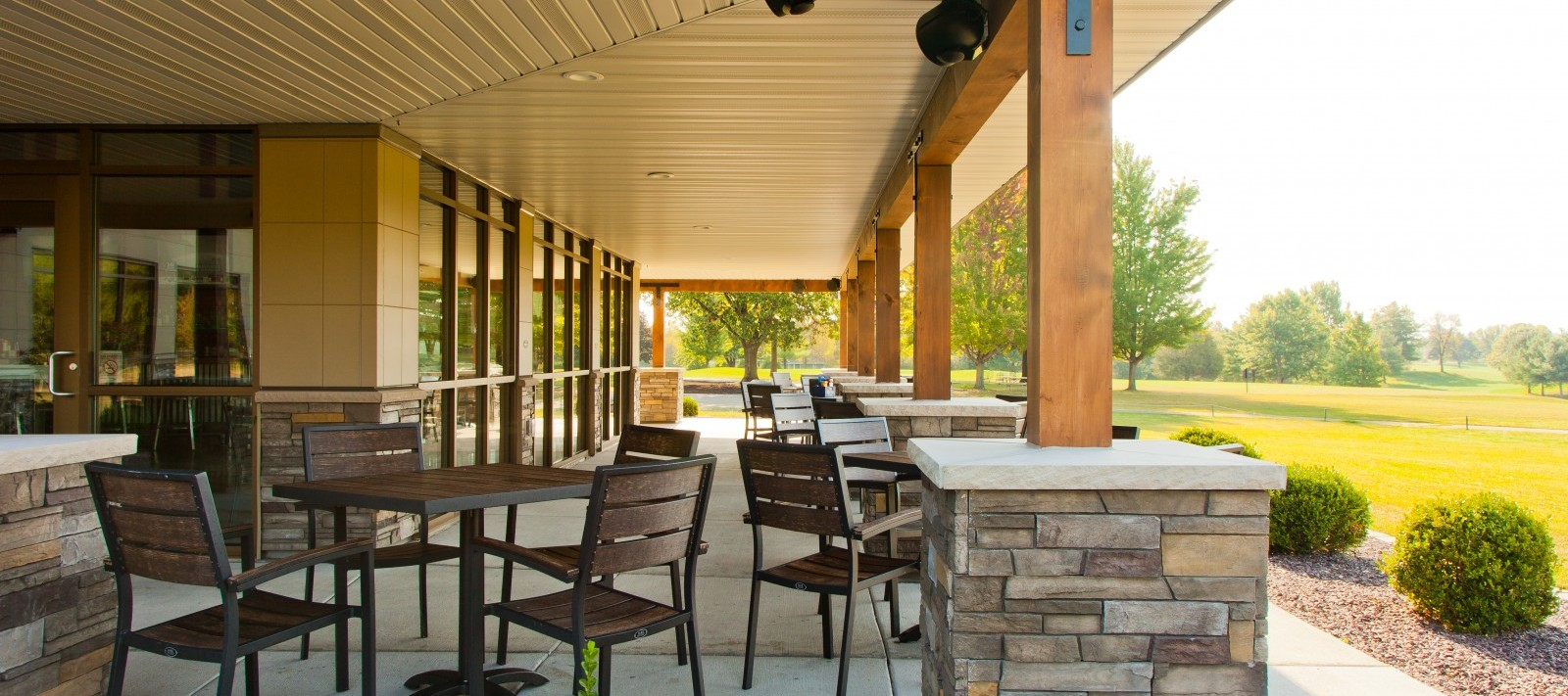 Oak Run Golf Course exterior patio