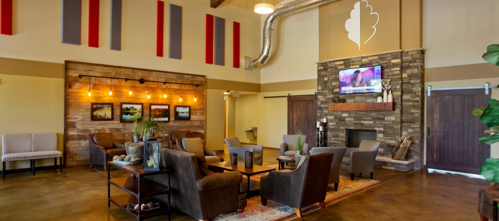 Oak Run Golf Course lobby lounge